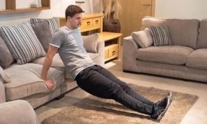 Άσκηση στον καναπέ